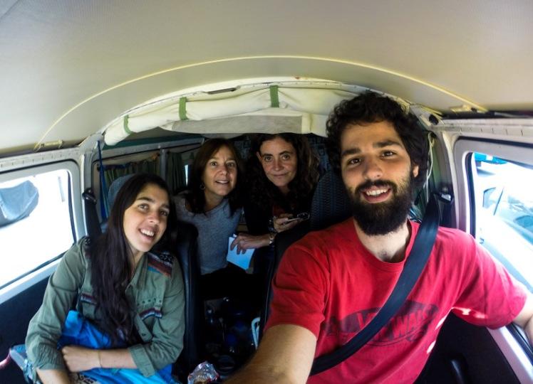 Con Lía y Sofi rumbo a Zipaquirá.