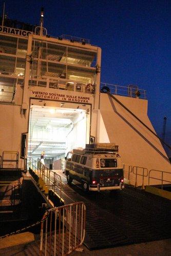 Dora entrando al Ferry