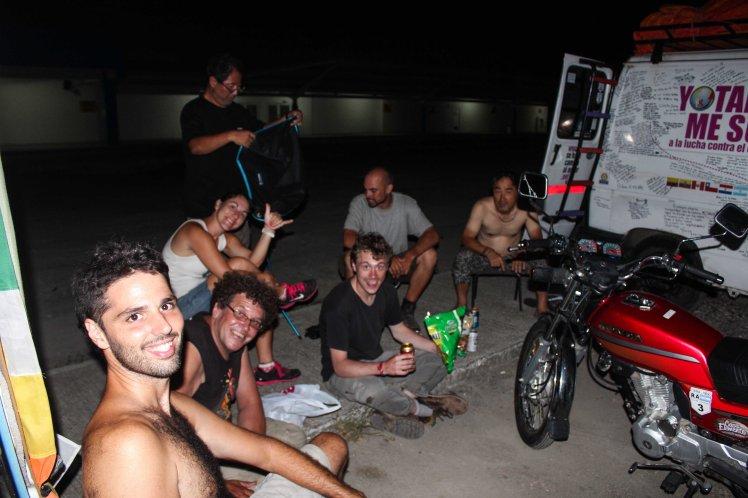 Noche de viajeros del mundo en colón, Panamá
