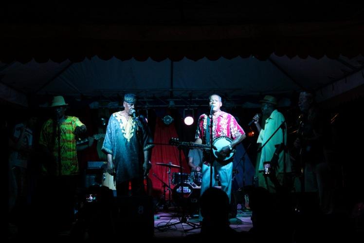 Uno de los grupos que se presentó en el Festival de Calipso e hizo bailar a todos