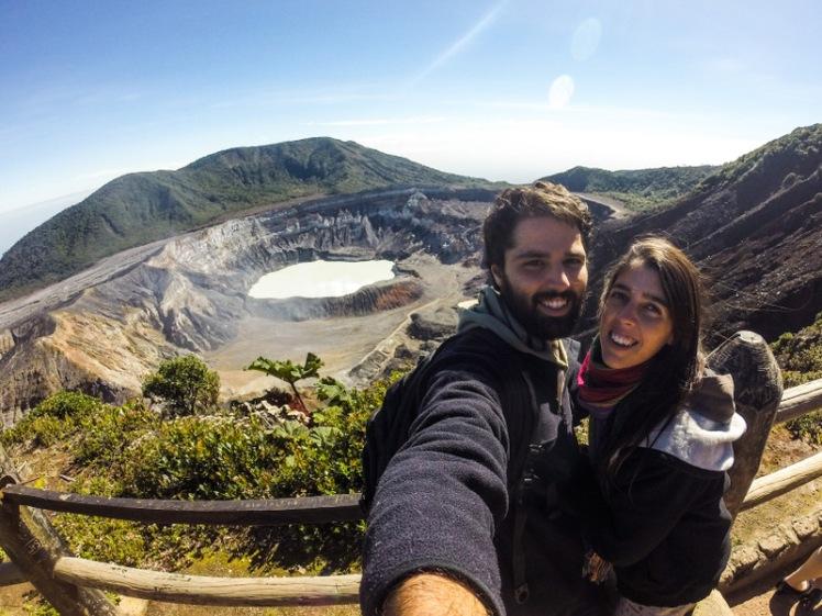 El en Volcán Poás, todavía activo