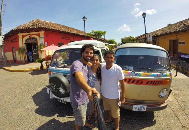 Con Jairo quien nos recibió en su casa de Granada