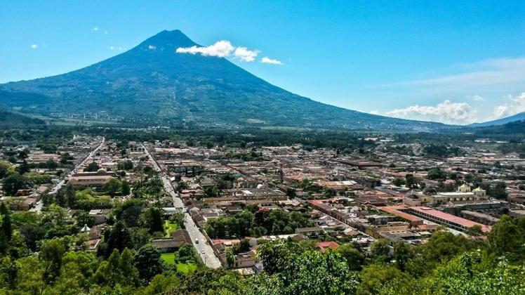 Vista de Antigua desde el Cerro de la Cruz