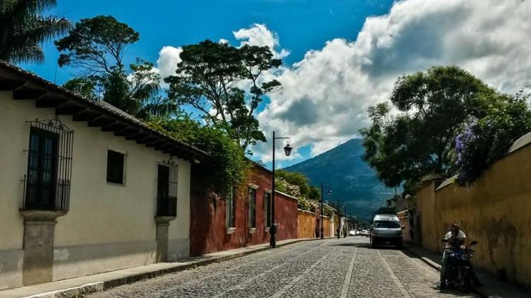 Por las calles de la Antigua