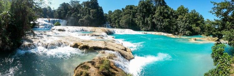 Increíble el color en las Cascadas de Agua Azul