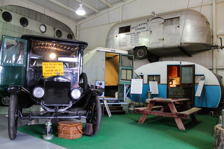 Motorhomes antiguos en el Museo del RV. / Antique motorhomes at the RV Museum.