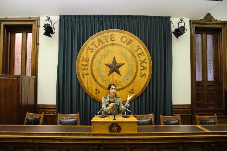 Divirtiéndonos un rato en el capitolio de Austin.