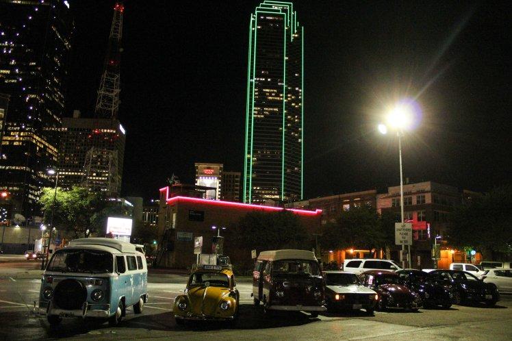 Salida nocturna por el centro de Dallas.