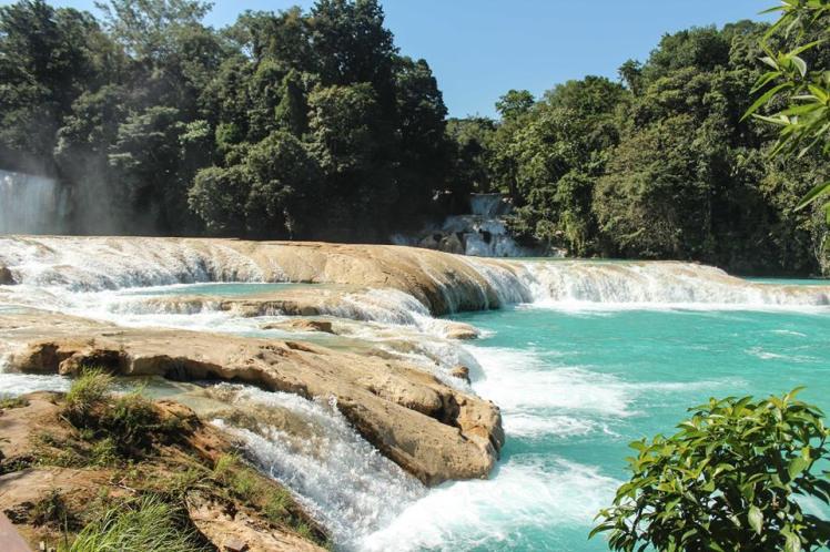 Un chapuzón helado en las Cascadas de agua Azul, Chiapas