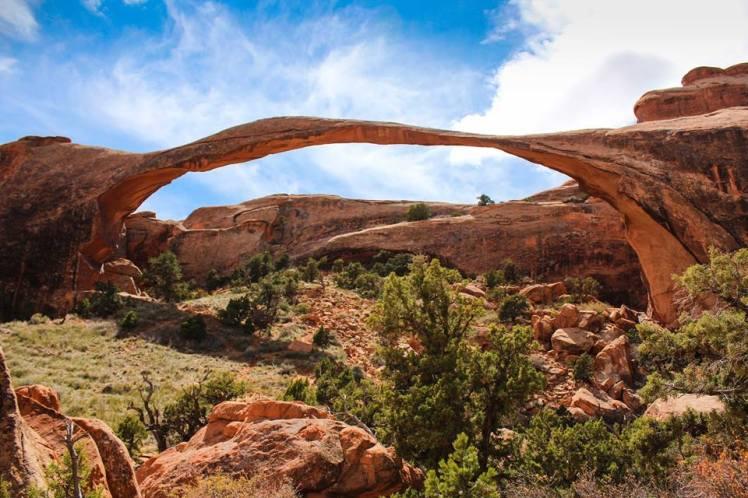 Landscape arch en el Parque Nacional Arches / Landscape arch at arches NP