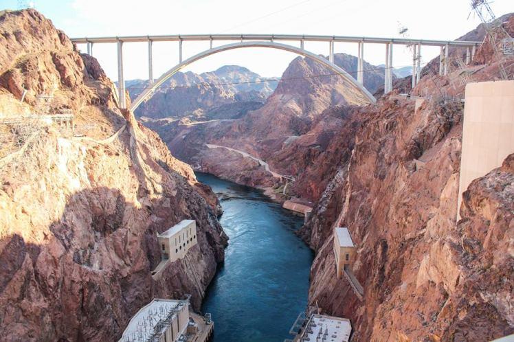 Represa Hoover, entre Arizona y Nevada. / Hoover Dam, between Arizona and Nevada.