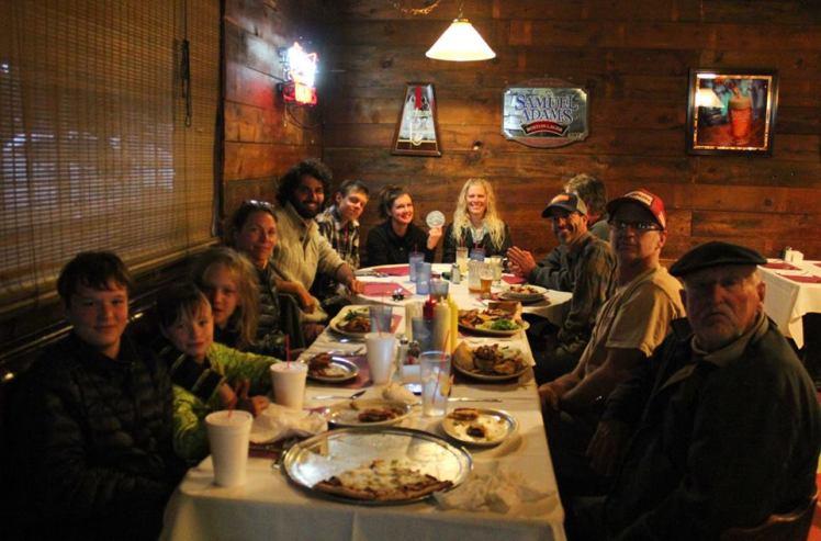 Cena con el club Old Volks de Flagstaff. / Dinner with Old Volks Club at Flagstaff