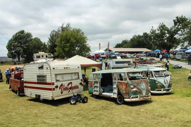 Camping the Vicious Wagens y Volks Familia
