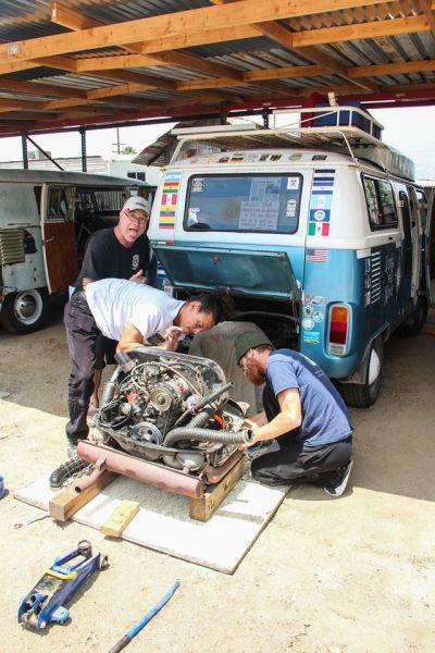 Motor abajo en la casa de José / Engine down at Jose´s house