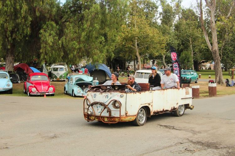 En el evento vimos todo tipo de Kombis / All kind of Buses at the cars show