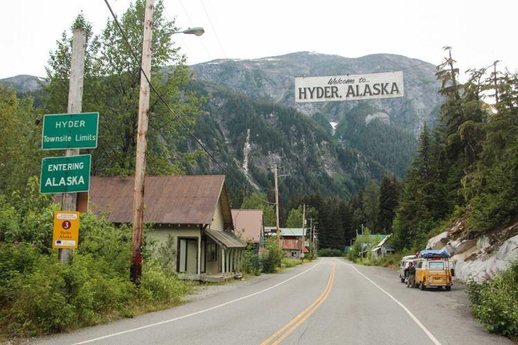 En el medio de Canadá, llegamos a Alaska! / In the middle of Canada, we arrived to Alaska!