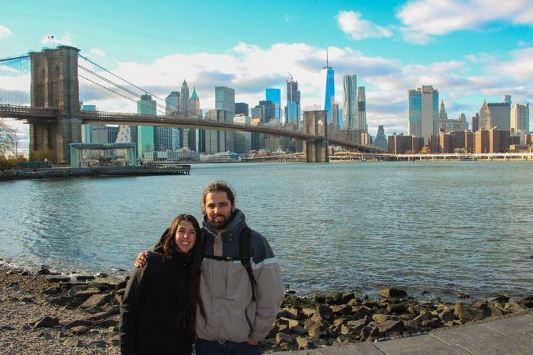 Vista del Puente de Brooklyn desde Dumbo